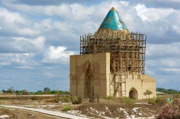 Kunya urgencht ekesh mausoleum - Turkmenistan