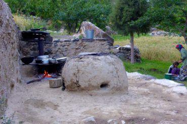 Cooking at guesthouse Jisew tajikistan cuisine