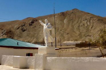 Ghost-white statue of Lenin Murghab, Tajikistan, Central Asia