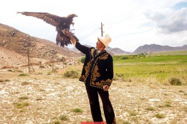 Kyrgyz people, eagle hunting tradition