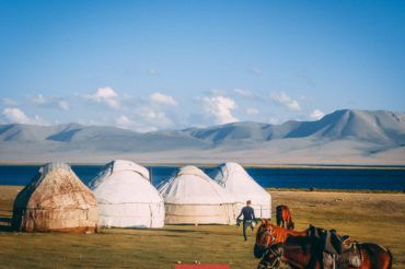 discover Kyrgyztan, yurt son Kul