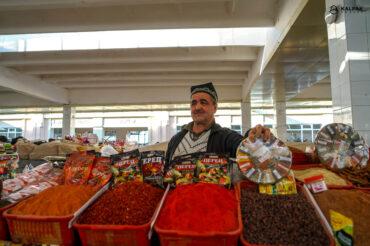 Spices seller in bazaar
