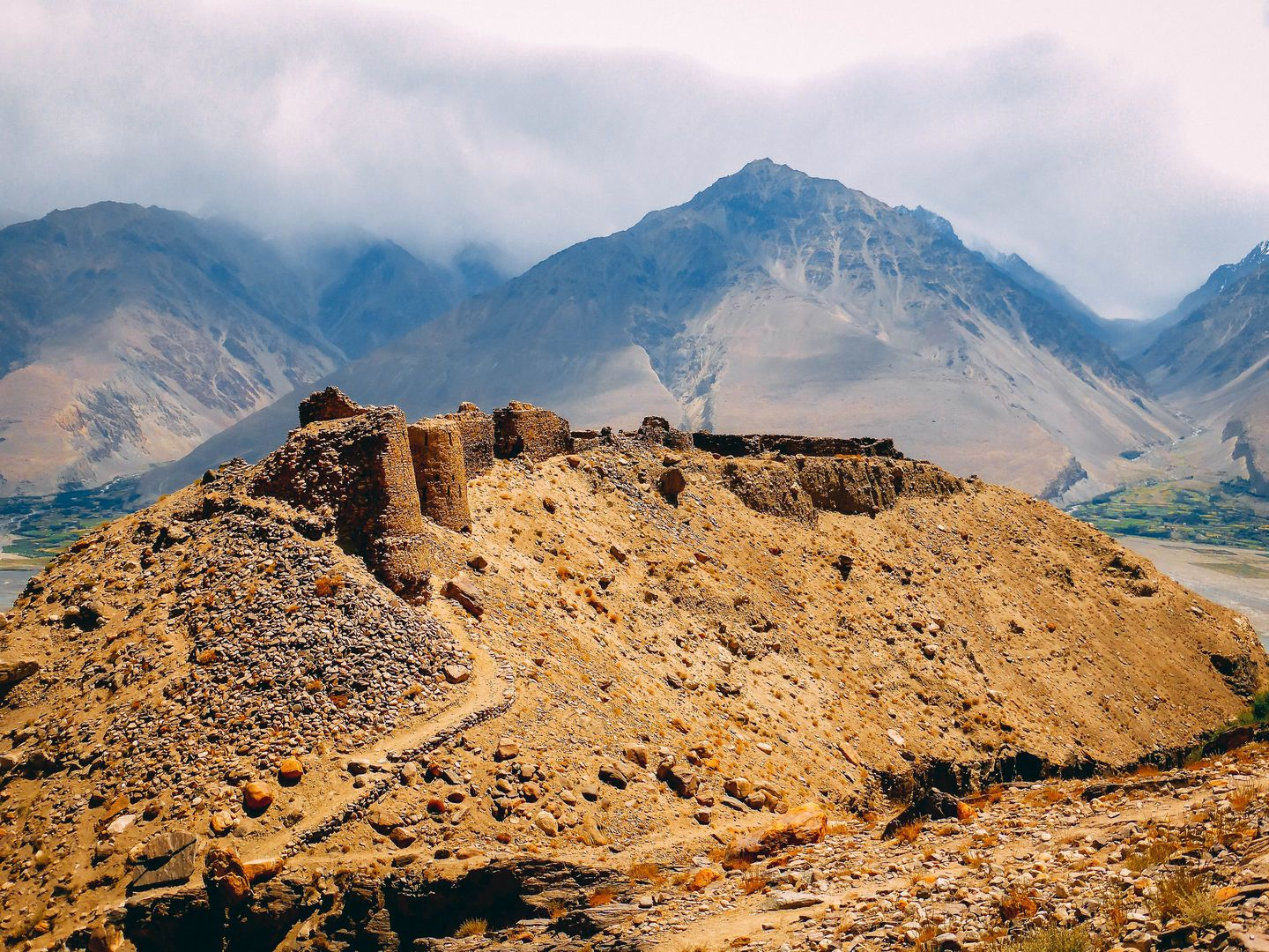 Picture of Yamchun fort, Tajikistan, Ruins of the wall