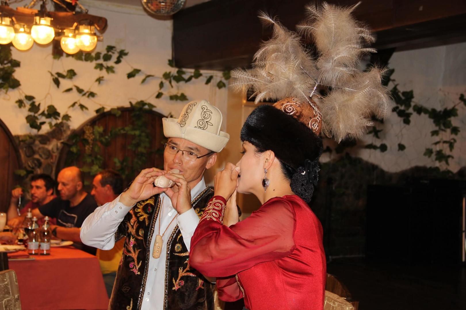 Kyrgyzstan Tour, Kyrgyz people