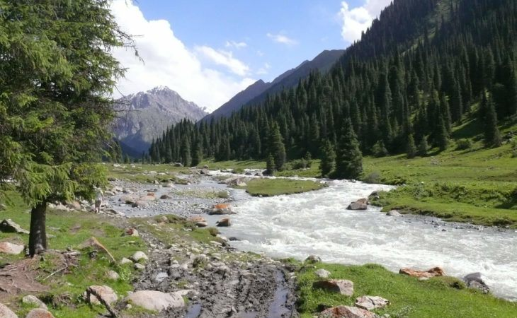 Kyrgyzstan tour, hiking and trekking