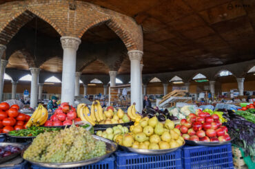 Penjikent market with fruits & fresh produce