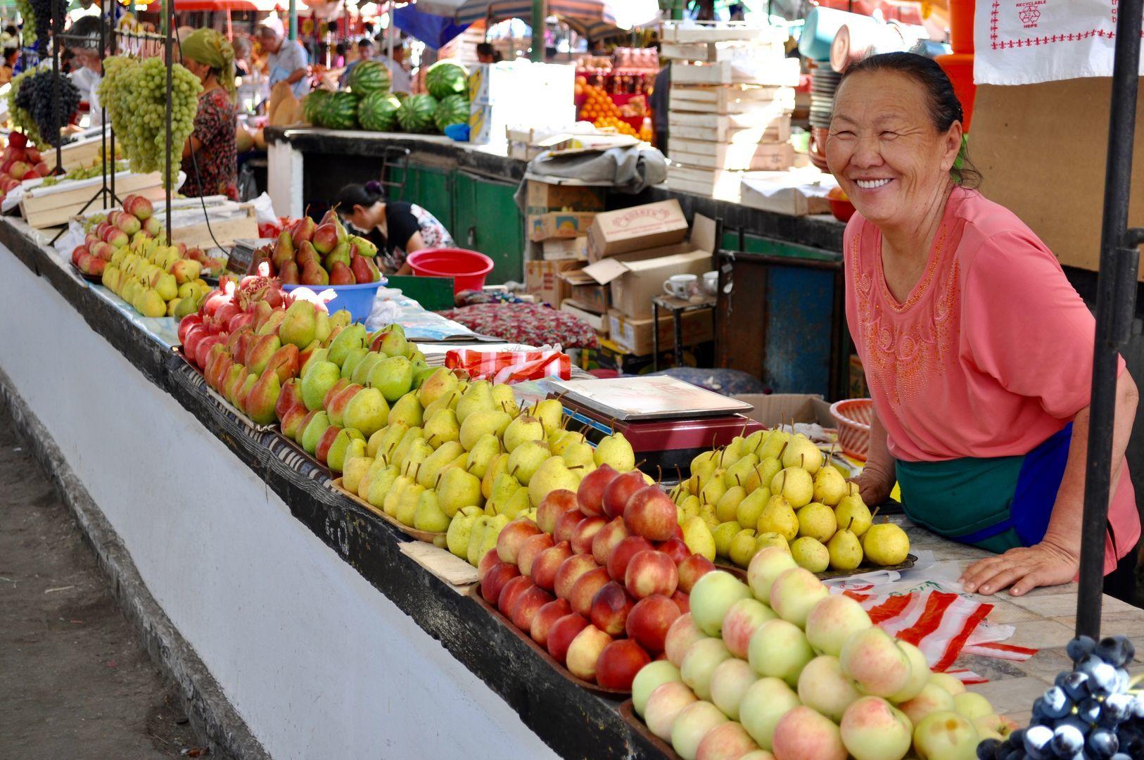 Osh bazaar, Bishkek City Tour