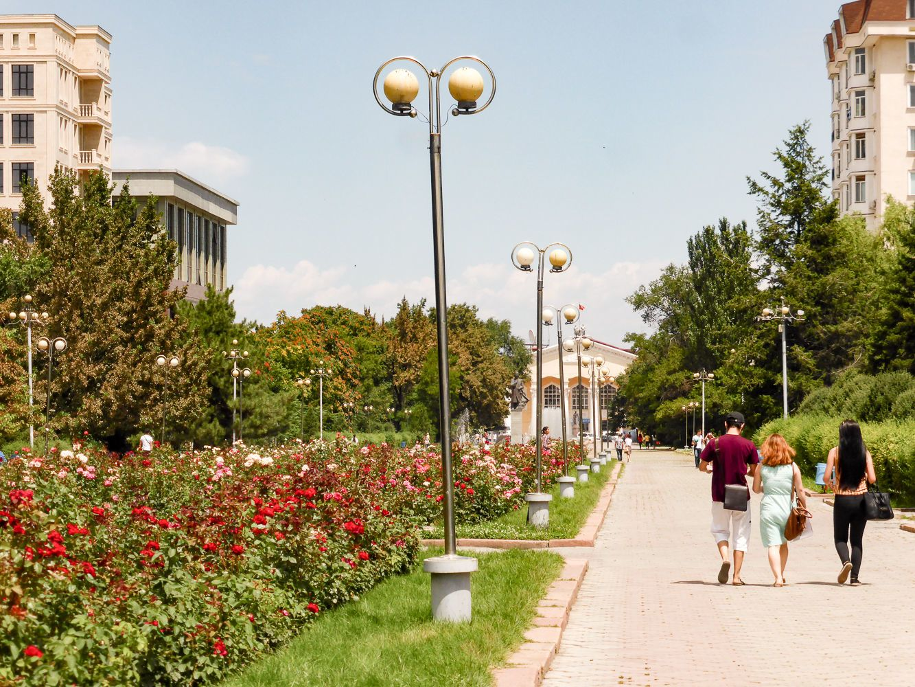 alley of youth & the national University in Bishkek City Tour