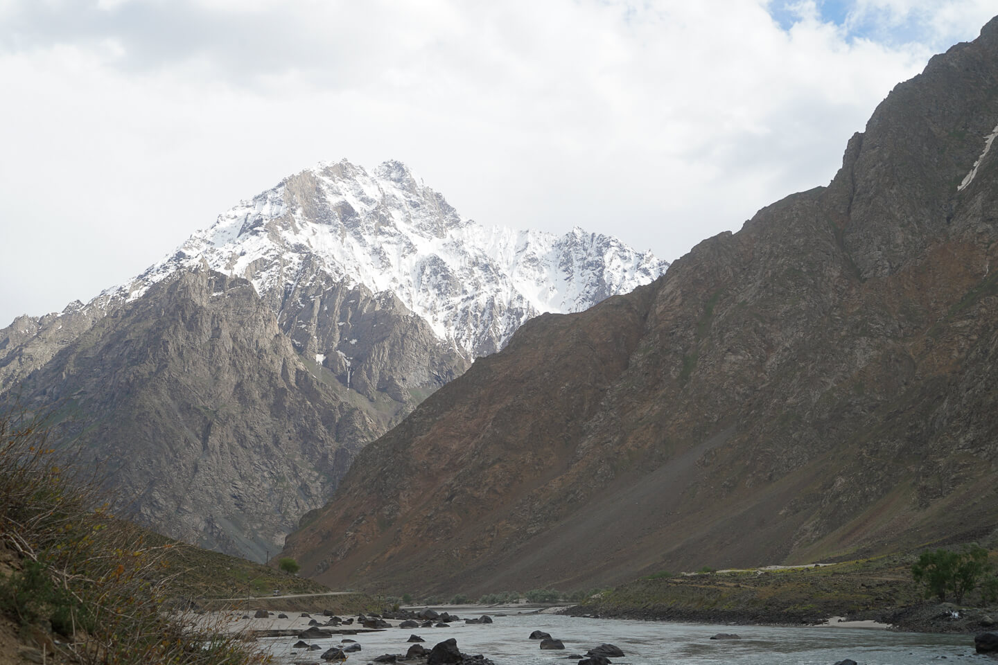 Panj river and the Pamir Mountains