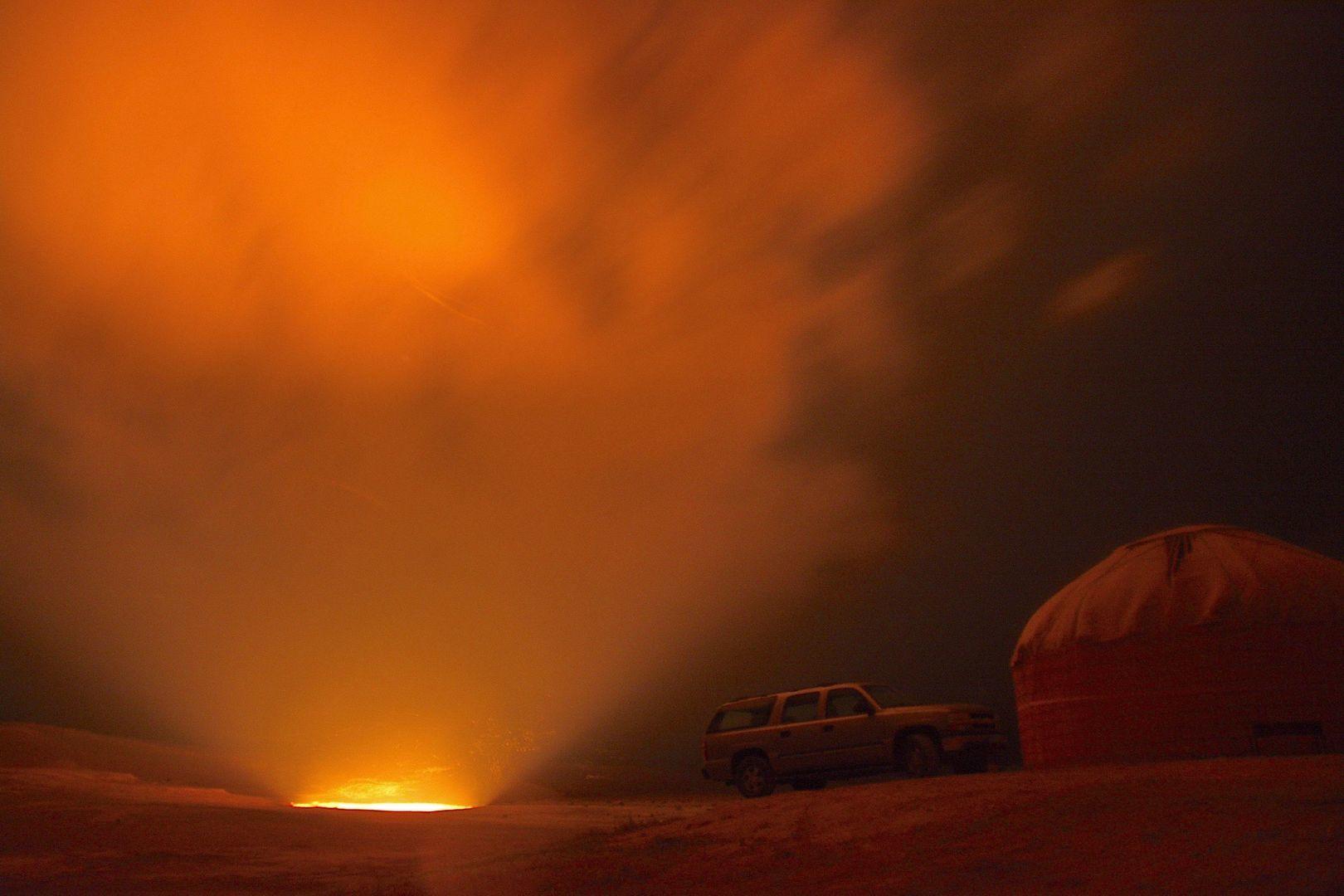 darvaza gas crater at Turkmenistan Tour