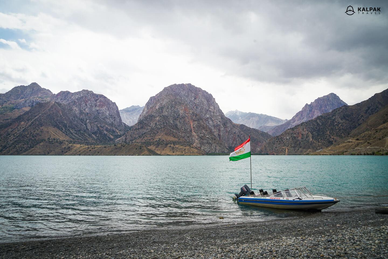 Iskanderkul lake in Fan Mountains