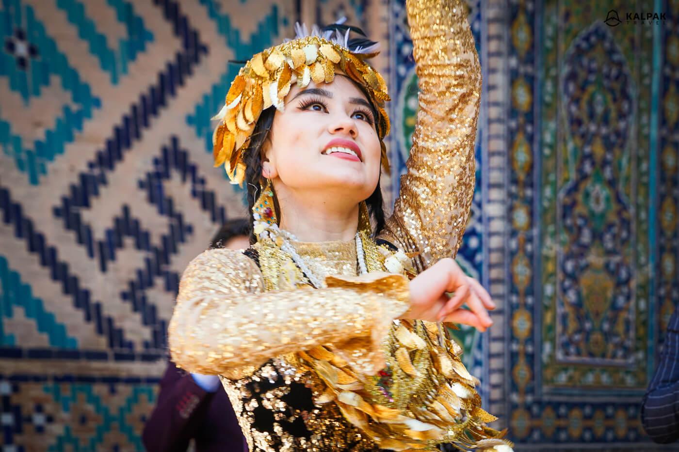 The legend of Bibi Khanum in Samarkand, Uzbek girl dancing in golden dress