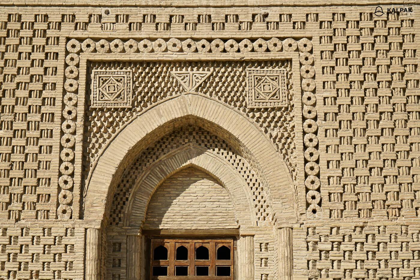 Samanid mausoleum details in Bukhara