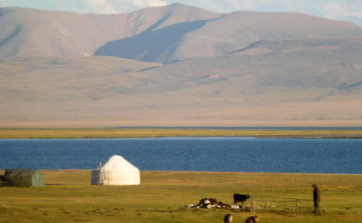 Son Kul travel: yurts in the summer pasture of Kyrgyzstan
