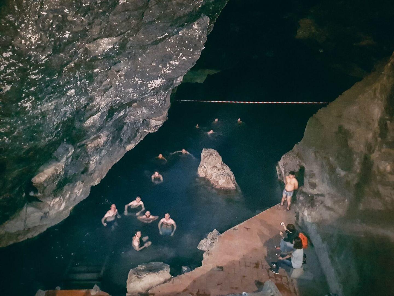Turkmenistan, Kow Ata Underground lake