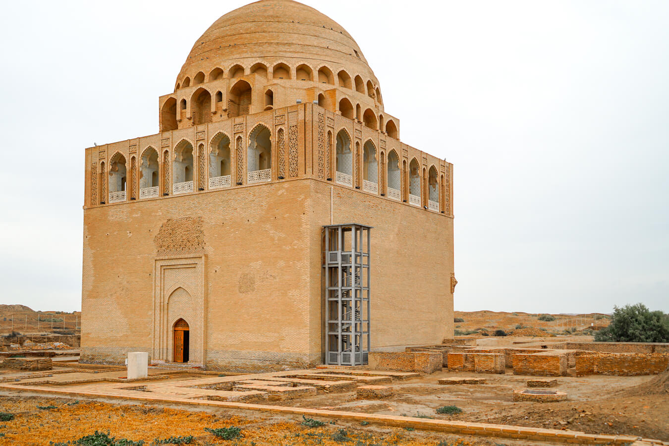 Merv mausoleum of Sultan Sanjar