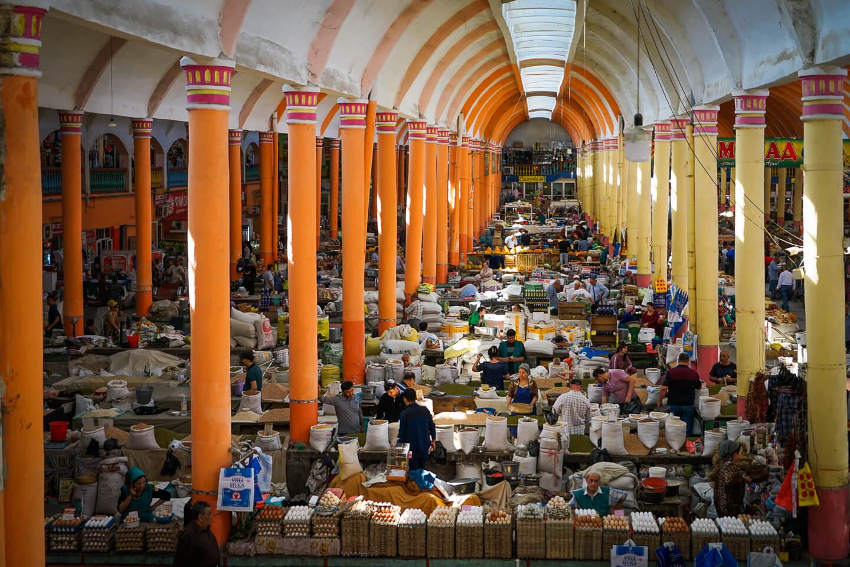 Khujand bazaar inside