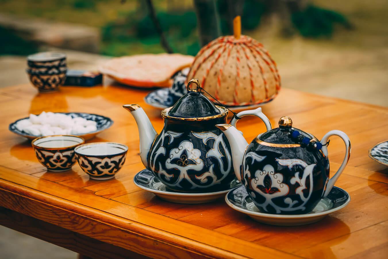 Tea set in Uzbekistan