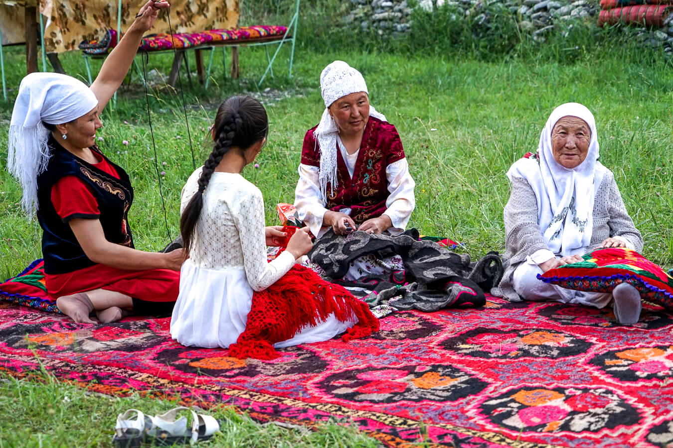 Handicrafts in Alay