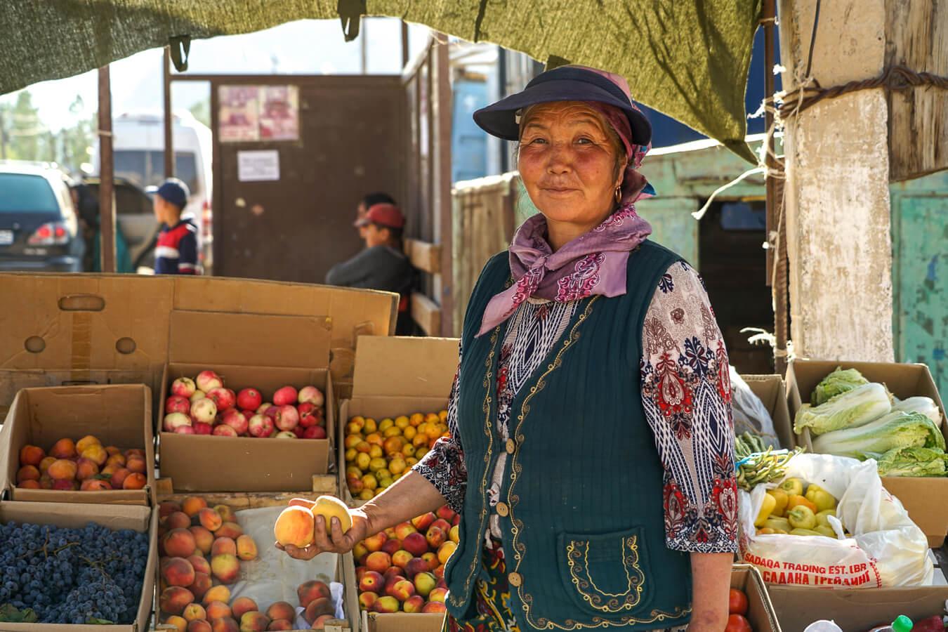 bazaar in Alay